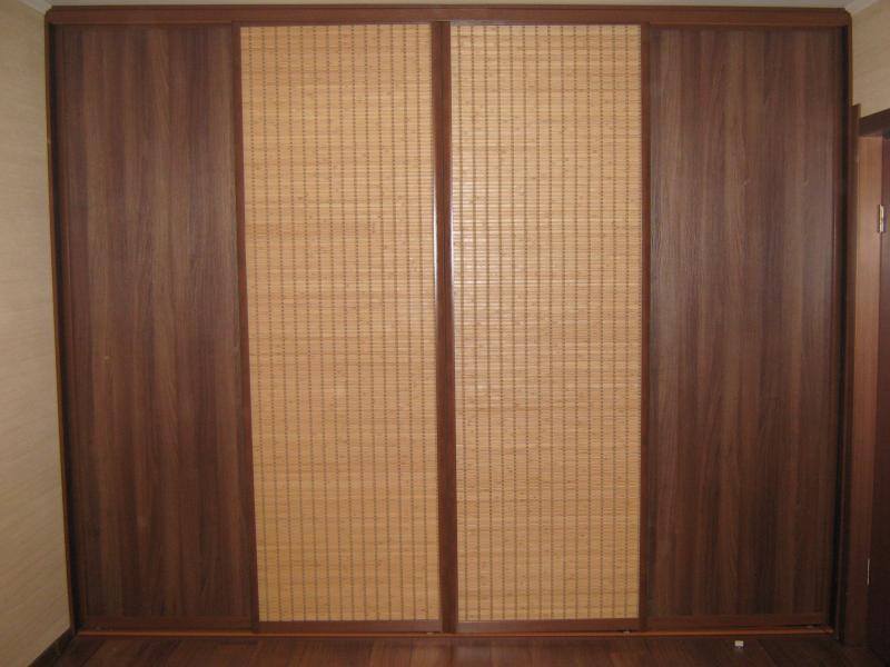 Шкаф с бамбуком.