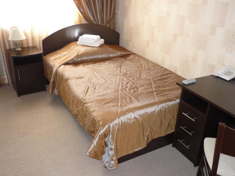 Заказать полуторную кровать.