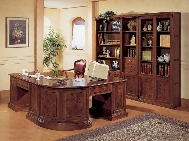 Угловой письменный стол на заказ.