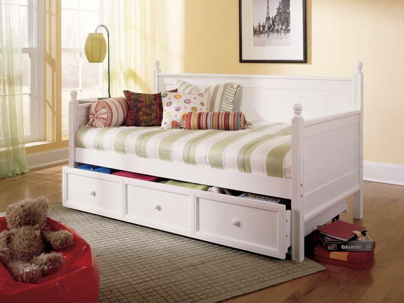 Кровать для подростка с выдвижными ящиками