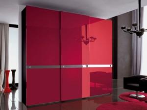 Красный шкаф.