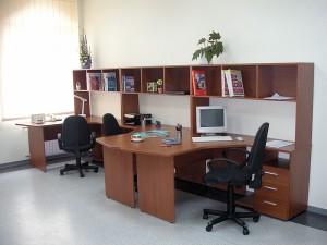 Мебель в офис для сотрудников.
