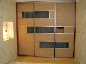 Шкаф с экокожей.